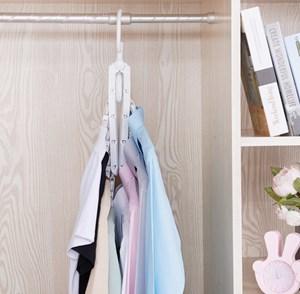Imagen de Percha colgante de plàstico x8, ideal para ahorrar espacio, en bolsa