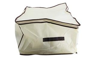 Imagen de Caja, bolsa organizadora de TNT, con visor, ideal para guardado de rop, acolchados, etc