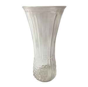 Imagen de Florero de vidrio, labrado