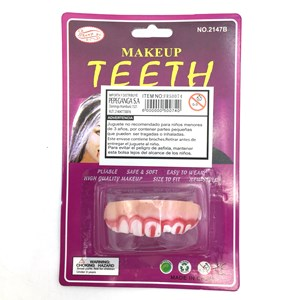 Imagen de Disfraz dientes deformes con sangre