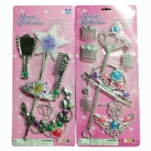 Imagen de Corona con varita y accesorios, 2 modelos, en blister