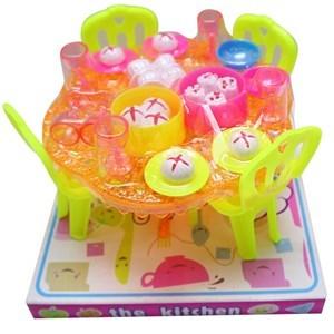 Imagen de Mesa con 4 sillas, con accesorios, 2 colores, en burbuja