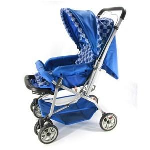 Imagen de Coche para bebé, 3 posiciones, asa rebatible, ruedas libres con freno, forro desmontable, piesera móvil, amplio canasto, traba de cierre, color AZUL O ROSADO