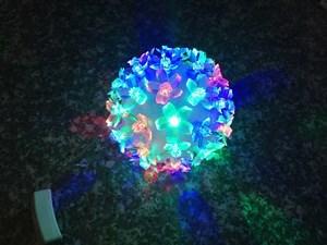 Imagen de Luces led x48, bola de flores de colores, 220v, en caja