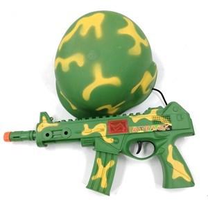 Imagen de Casco y metralleta de soldado con luz y sonido, en red